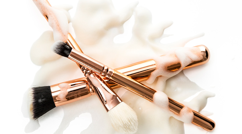 https://www.getthegloss.com/media/image/cleaning-brushes.jpg